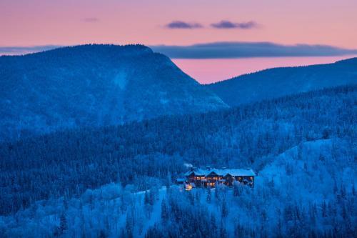 Auberge de Montagne des Chic-Chocs Mountain Lodge All Inclusive