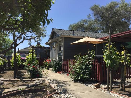 Andrea's Hidden Cottage