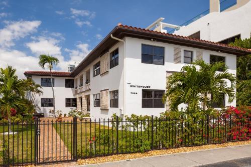 Miami Whitehouse Apartments