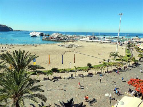 Cristianos Beach