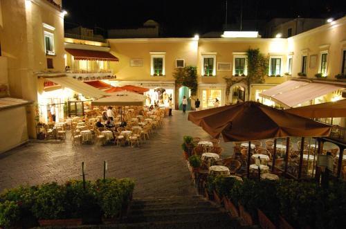 Alma The Baker's House - Capri Cool