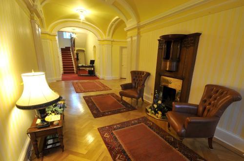 Woodland House Hotel
