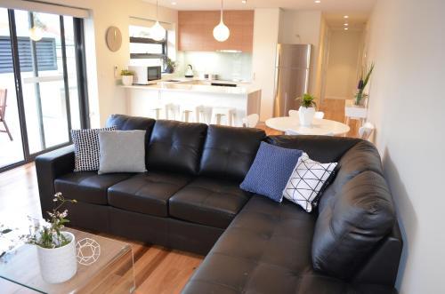 Kangaroo Bay Apartments