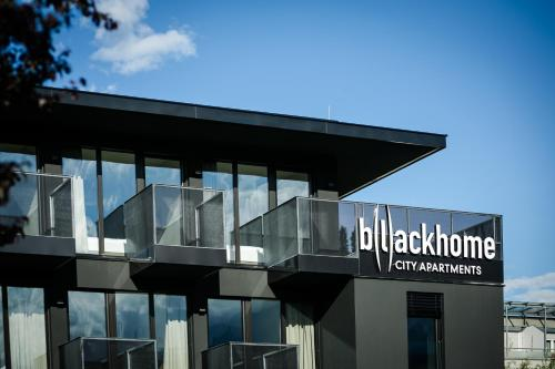 Blackhome City Apartments