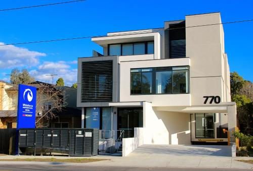 the 10 best accessible hotels in box hill australia. Black Bedroom Furniture Sets. Home Design Ideas