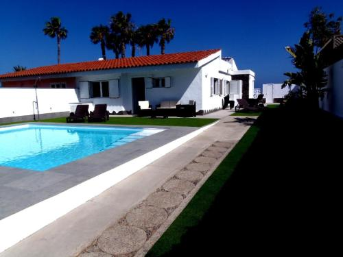 Description for a11y. Villa el Veril. San Agustin ...