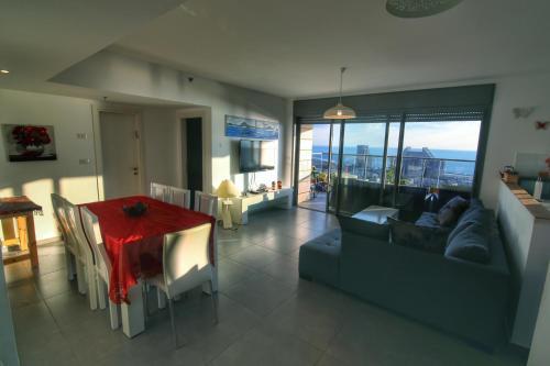 Haifa Apartment on the Beach