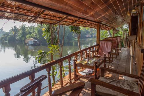 Malayalam Lake Resort