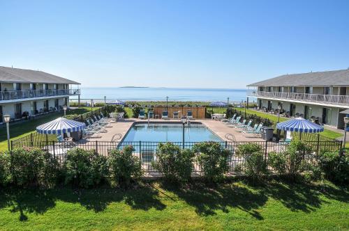 Friendship Oceanfront Suites