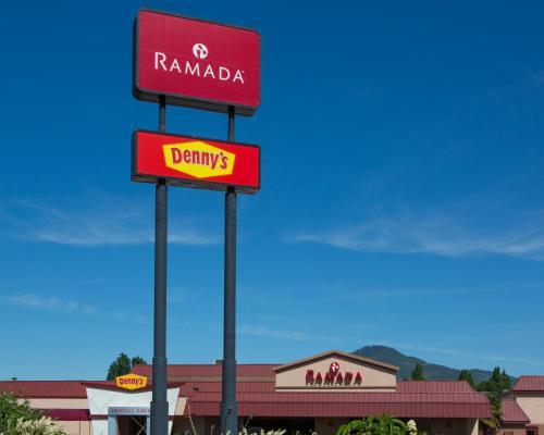 Ramada Hotel & Conference Center by Wyndham Medford