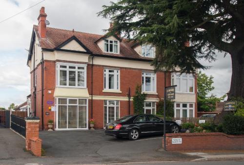 Clairmont Guest House