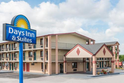Days Inn & Suites by Wyndham Springfield on I-44