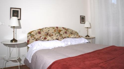 Theia Apartment