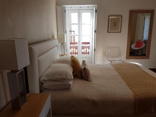 Door 12, Sintra Guest House