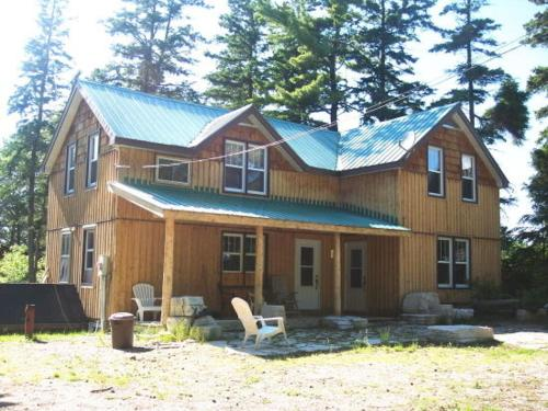 Cool 4 Bedroom Cottage On Manitoulin Island Next To Sand Beaches Download Free Architecture Designs Embacsunscenecom