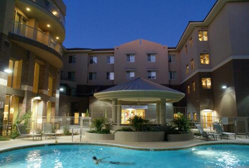 Homewood Suites by Hilton Phoenix Airport South