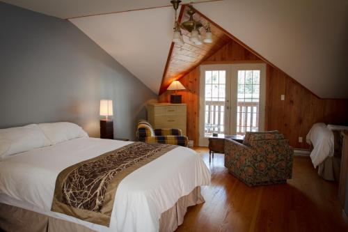 Kingfisher Lodge & Marina