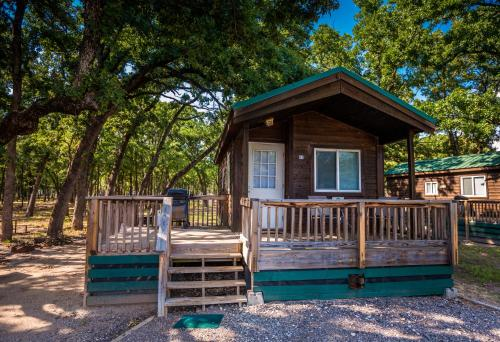 Lake Tawakoni Camping Resort Cabin 4