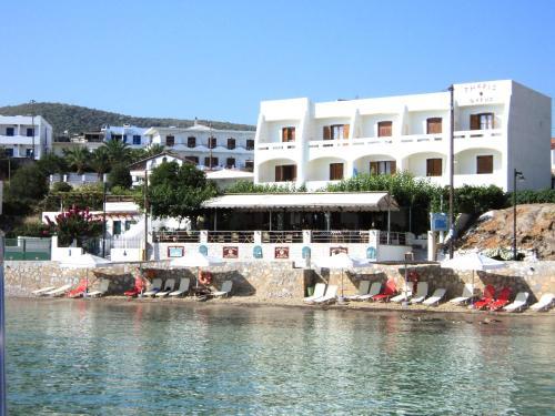 Hotel Theris