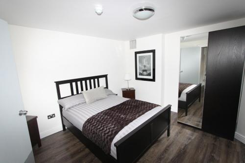 Elton Road Apartment