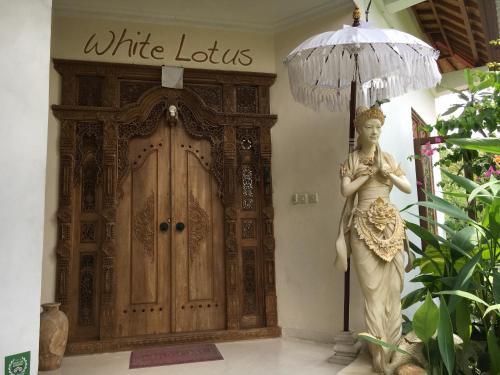 Citrus Tree Rooms - Lotus