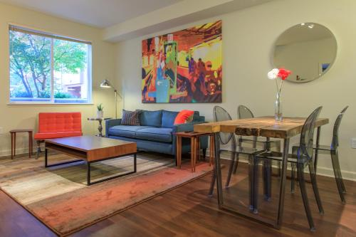 Stunning Silicon Valley Apartment in Sunnyvale 1106