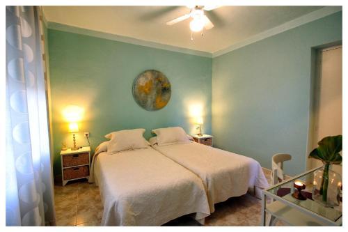 Luna Azul Hostel