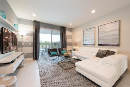 Encore Fantasy Eight-Bedroom Villa