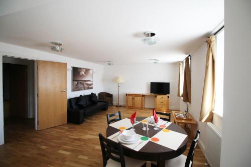Wellesley Road Apartments