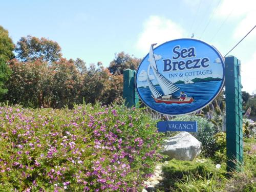 Sea Breeze Inn - Pacific Grove