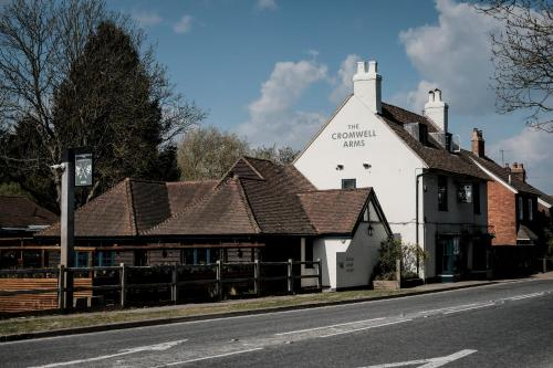 Cromwell Arms Country Pub with Rooms