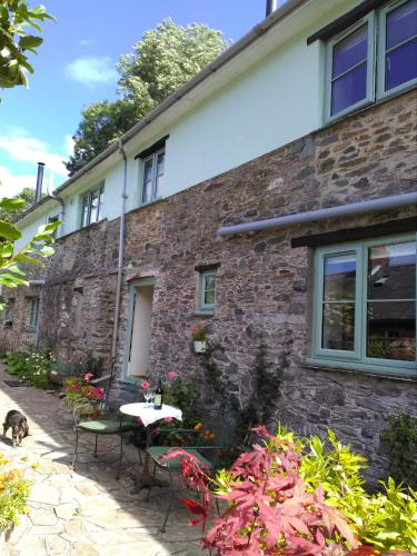 2 Mill Cottages