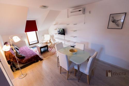 Rivera Apartments-Palas