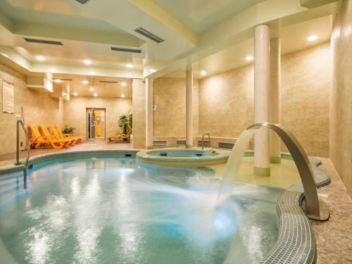 Groovy 10 najlepszych hoteli z jacuzzi w Zakopanem, Polska | Booking.com PF44