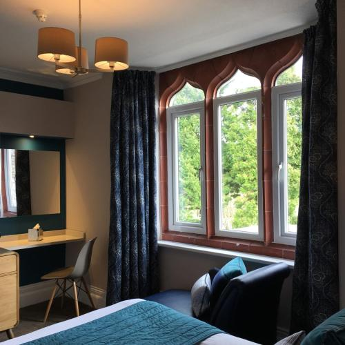 The Hideaway At Windermere (Adults only)