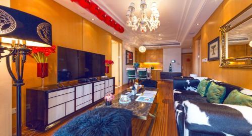 Yue Apartment