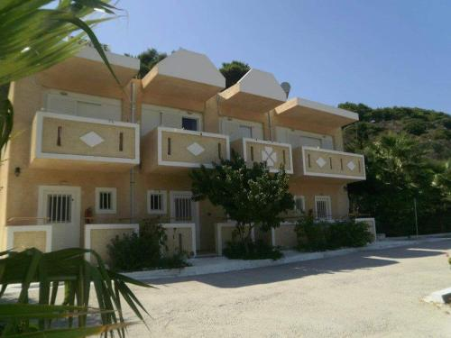 Denise Apartments