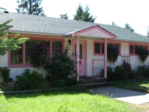 Pacific Rose Cottage