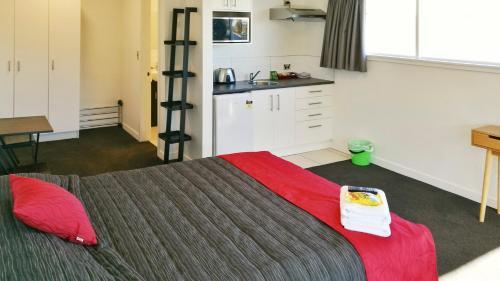 Hibernian Studio Apartments