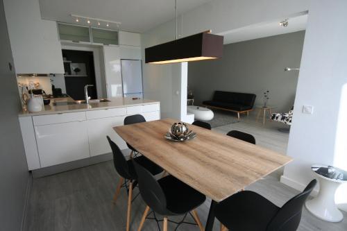 Modern Apartment next to the sea front - Cascais
