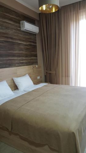 3 Rooms on Feristsvaleba