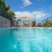 Sea Breeze with Sparkling Pool