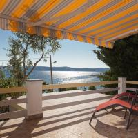 Apartment Milka by the Sea