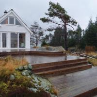 Two-Bedroom Holiday Home in Steinsland