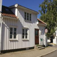 Three-Bedroom Holiday Home in Risor