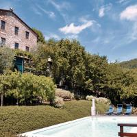 Three-Bedroom Apartment Camaiore -LU- with a Fireplace 05