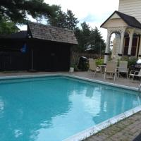 Rideau Lakes Country Home