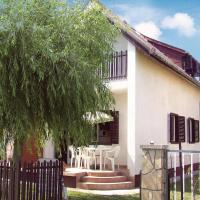 Holiday home Mária u-Balatonmariafürdö