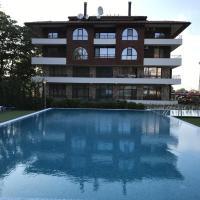 Private Apartments in Complex Hunter's Beach