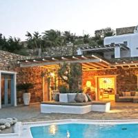 Private villa with pool in Mykonos